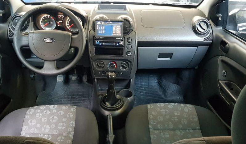 Ford Fiesta Hatch 1.0 2011 em Resende full